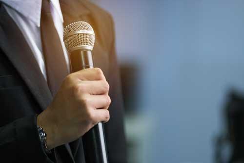 geprüfter Kommunikations- und Rhetoriktrainer