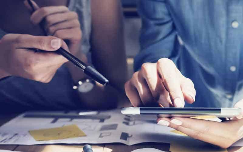 Top-Ansicht von Business-Mann auf der Startseite, Business Challenge oder tun Sie etwas Neues